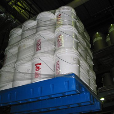 Buckets on 3-Runner Pallet Featured