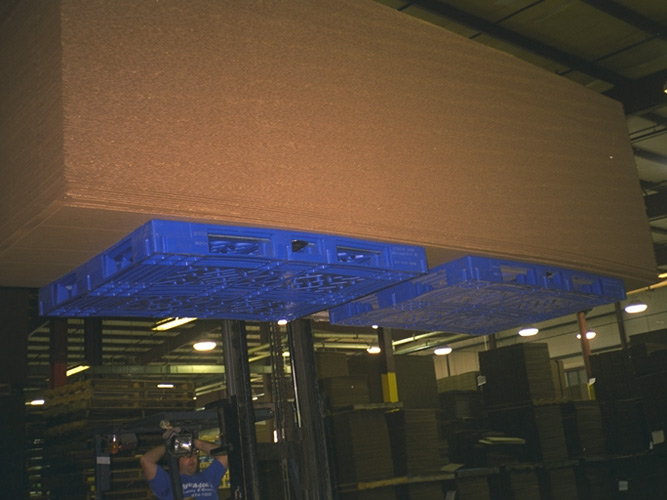 Double Sided Pallets in Air with Load